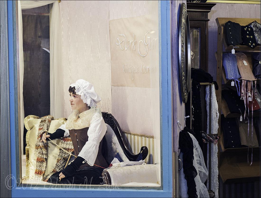 Live Mannequin Window Display