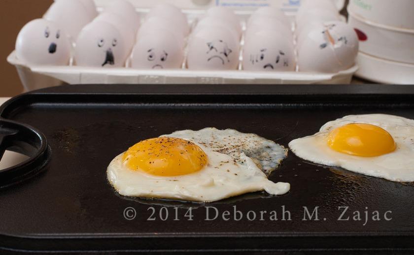 #dedpxl06 Eggcruciating!