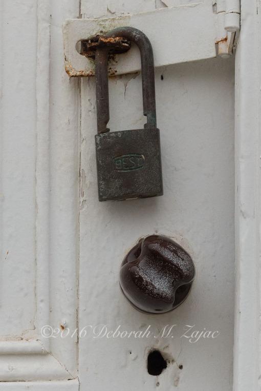 Door knob and Best Lock Pierce Point Ranch
