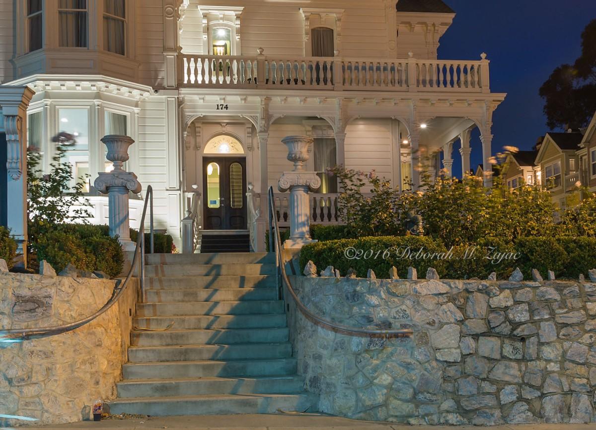 West Cliff Inn- Lynch House