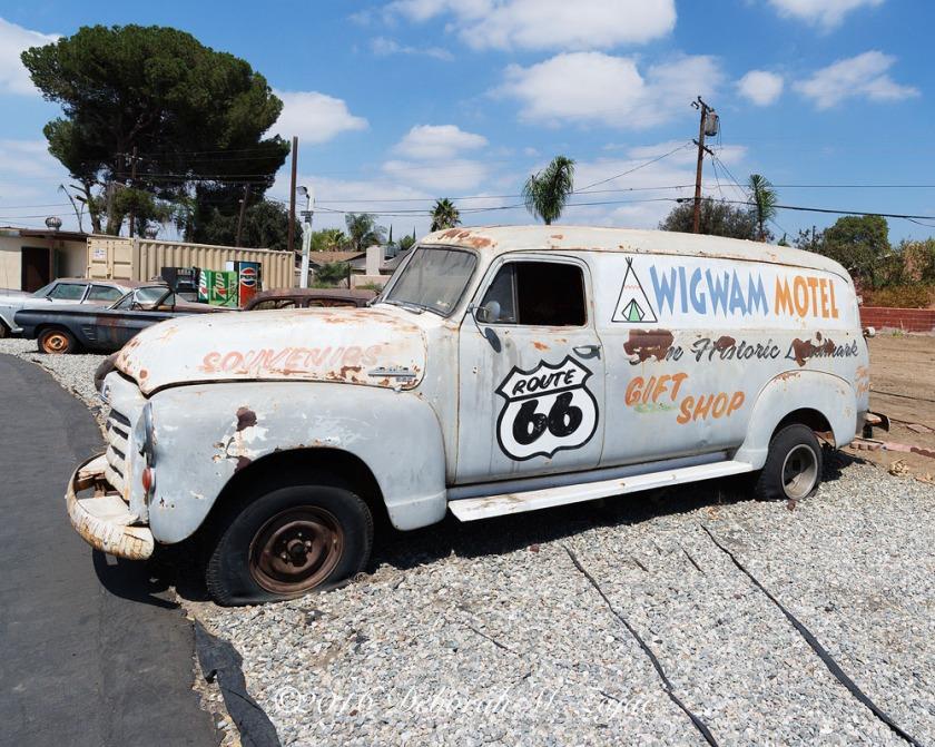 WigWam Motel Vintage Van