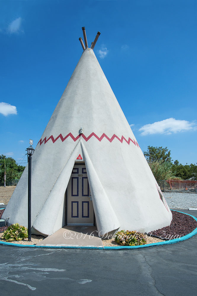 N°16 WigWam Motel
