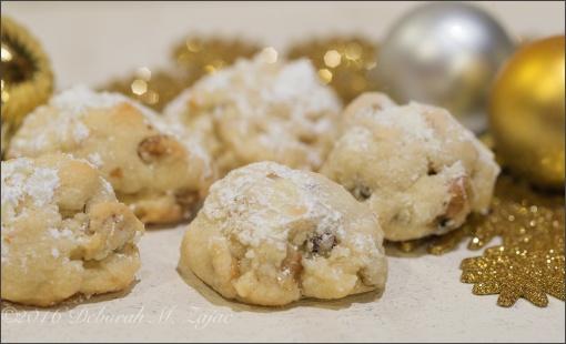 Walnut Butterballs